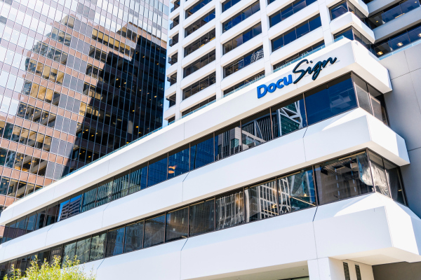 DocuSign acquires Liveoak Technologies for $38M for online notarization – TechCrunch